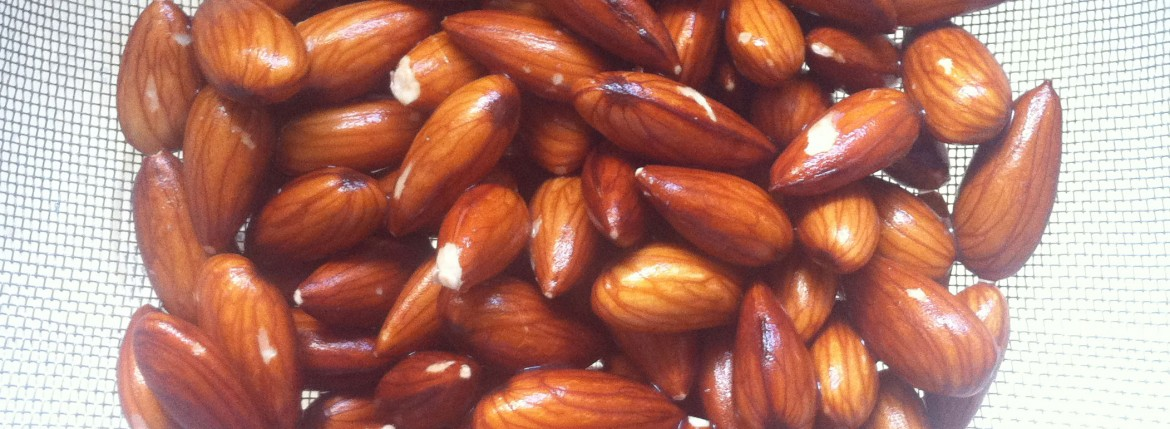 Washed almonds